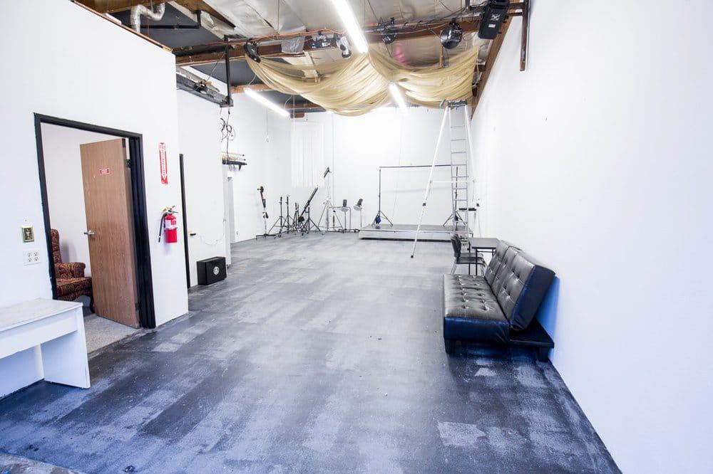 DK3 Studios is 1200 square feet